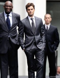 Look da Star: Christian Grey, l'affascinante Mr. 50 Sfumature di Grigio (FOTO)