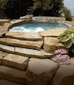 Exterior, Landscape, Water Feature, Blend, Oversize Flagging, Step Slab, Rustic, Warm, Earthtones, Tan, Amber, South Bay Quartzite®
