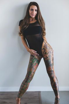 Beautiful Tattooed Girls & Women Daily Pictures. For your Inspiration... Tattoo Girls, Sexy Tattoos For Girls, Inked Girls, Girl Tattoos, Tattoos For Women, Tattooed Women, Tatoos, Hot Tattoos, Body Art Tattoos