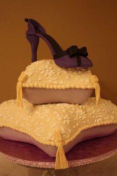 Pillow cake tutorial - by Pam and Nina's Crafty Cakes @ CakesDecor.com - cake decorating website