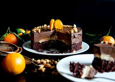 This vegan chocolate mousse cake is a real delicacy with layers of moist sponge, a luscious chocolate avocado mousse, topped with a glossy chocolate glaze. Vegan Chocolate Mousse, Chocolate Glaze, Chocolate Cheesecake, Vegan Cake, Vegan Desserts, Vegan Sweets, Vegan Recipes, Healthy Sweets, Avocado Mousse