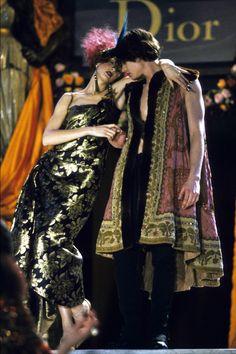 Кристиан Диор Весна 1998 Couture Collection Фотографии - Vogue
