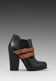 Dream ! Kelsi Dagger Ivey Bootie in Black/Cognac