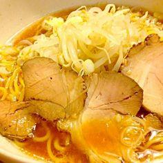 具はいつも変わらないわ❤ チャーシューも変わらず…家の紅茶豚さんのタレ漬けですわ❤ウマッ❤ - 31件のもぐもぐ - あっさり醤油ラーメンで夕食 by kazu347