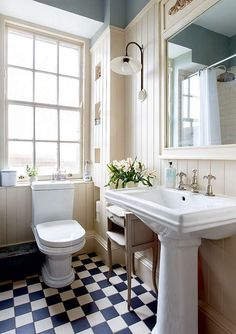 country vintage edwardian victorian bathroom black white