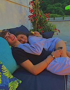 Teen Couples, Cute Couples Photos, Cute Couple Pictures, Cute Couples Goals, Cute Photos, Couple Pics, Couple Goals Relationships, Relationship Goals Pictures, Boyfriend Goals