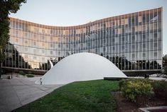 AD Classics: French Communist Party Headquarters / Oscar Niemeyer