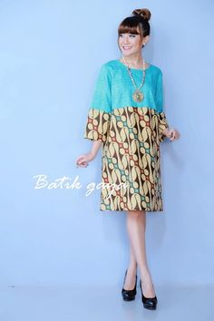 Dress Brukat, Ankara Dress, African Dress, Blouse Batik, Batik Dress, Patchwork Dress, African Print Fashion, Fashion Prints, Fashion Design