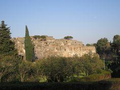 amphitheatre of Pompeii .