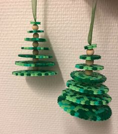 Beading 2020 – The Best Beading Ideas Are Here Hama Beads Christmas, 3d Christmas, Christmas Crafts For Kids, Handmade Christmas, Christmas Tree Ornaments, Holiday Crafts, Hama Beads Design, Diy Perler Beads, Hama Beads Patterns
