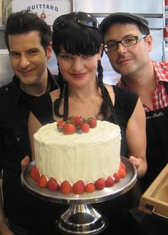 """Pauley Perrette NYC bakery called """"Donna Bell's Bake Shop"""" Pauley Perrette Ncis, Pauley Perette, Ncis Stars, Ncis Abby, New York City, Sweet Tooth, Bakery, Nyc, Sweets"""
