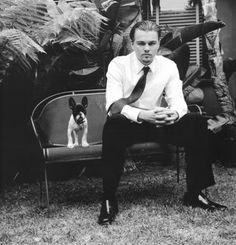 Leonardo DiCaprio with his French Bulldog, Django who he shares with ex-girlfriend, Gisele.