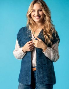 Knit Vest Pattern, Sweater Knitting Patterns, Diy Tricot Gilet, Free Pattern, Point Mousse, Mom, Lady, Essentiels Mode, Sweaters