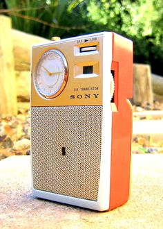 SONY manufactured in Japan circa featuring a built in Seiko watch with alarm. Tvs, Classic Clocks, Pocket Radio, Retro Radios, Antique Radio, Transistor Radio, Record Players, Phonograph, Old Tv