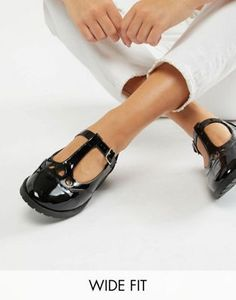 e68fac5b732e DESIGN Wide Fit Marky flat shoes