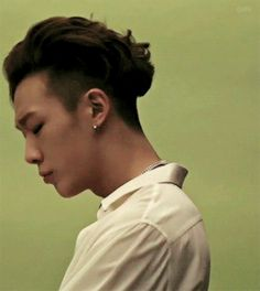 I love Bobby. He's so handsome and one of the best rappers I've ever heard!