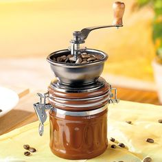 """Ein schönes Geschenkt für einen Kaffeeliebhaber: Rosenstein & Söhne Kaffeemühle """"Genua""""  https://www.kaffee-miete.de/"""