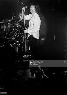 Simple Minds' vocalist Jim Kerr performs in Minneapolis, Minnesota on February 18, 1995.