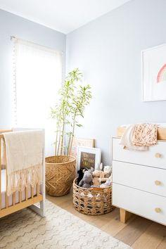 Louella's natural girl room with pastel baby room - DIY Kinderzimmer Ideen Baby Bedroom, Baby Room Decor, Nursery Decor, Nursery Ideas, Wood Nursery, Nursery Modern, Bedroom Ideas, Nursery Furniture, Modern Bedroom