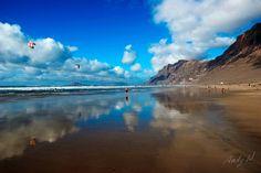 Playa y Risco de Famara - Lanzarote, Islas Canarias