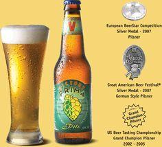 Cerveja Victory Prima Pils, estilo German Pilsner, produzida por Victory Brewing Company, Estados Unidos. 5.3% ABV de álcool.