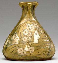 Amphora Art Nouveau Vase, RIESSNER, STELLMACHER & KESSEL with maiden in profile and daisies. Red RSTK Turn-Teplitz, AMPHORA.