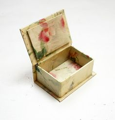 Miniature Treasure chest for precious little things | Source: diadu