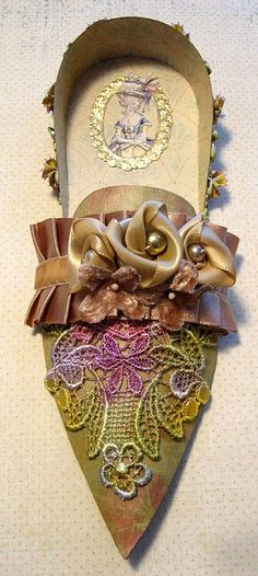 Shoe, Marie Antoinette  there must be a paper template where you could make one and embellish