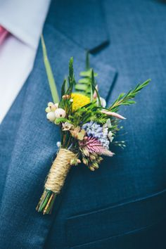 Botanical boutonniere: http://www.stylemepretty.com/new-york-weddings/new-york-city/2015/08/17/elegant-chic-fort-tryon-park-outdoor-wedding/ | Photography: Cynthia Chun Weddings - http://www.cynthiachungweddings.com/