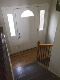Split Entry Flooring Ideas - With advancements and innovations in home design in addition to expanding creativity and style, Split Foyer Entry, Entry Foyer, Split Level Home Designs, Raised Ranch Remodel, Craftsman Style Kitchens, Entryway Stairs, Entryway Ideas, Stairway Decorating, House Makeovers