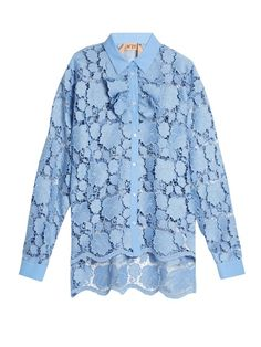 8dc8783e0d No.21 s shirt references two trends in one with its pretty cornflower-blue  hue