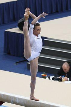 Gymnastics Posters, Gymnastics Pictures, Sport Gymnastics, Olympic Gymnastics, Dance Photography Poses, Gymnastics Photography, Amazing Gymnastics, Artistic Gymnastics, Girls Leotards