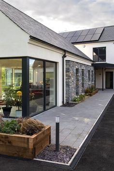 Summerisland Passive house Co Armagh — Paul McAlister Architects New Home Designs, Home Design Plans, Modern Farmhouse Exterior, Bungalow Exterior, Craftsman Bungalows, Passive House, House Goals, Modern Architecture, Sustainable Architecture