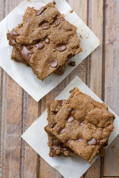"""""""These Almond Butter Espresso Bars are packed with chocolate and coffee flavor! They are gluten free, paleo friendly and ready in just 20 minutes! A decadent dessert you will love! Espresso Bar, Chocolate Espresso, Italian Espresso, Paleo Chocolate, Delicious Desserts, Dessert Recipes, Paleo Recipes, Healthy Sweets, Alkaline Recipes"""