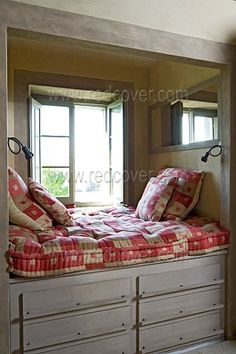 The father of a dear friend built their home when she was little and all three children had beds like this so their rooms were open because it was all carefully contained..... lovely and peaceful.
