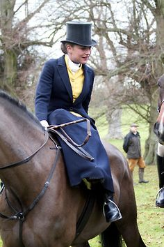 A healthy dose of courage is needed (either innate courage or assisted by liquid) for fox hunting sidesaddle.
