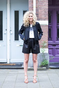 Streetstyle black summer #leather #highheels #orange #fashionchick #lookbook #bijenkorf
