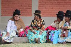 http://1.bp.blogspot.com/-qYj0Zqa1c8g/UNiLHdm-EqI/AAAAAAAAAsQ/5FPtaV-QUWI/s1600/bolivian-women.jpg