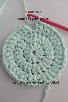 Crochet basket 697846904747895436 - knitting gloves pattern kids & knitting gloves pattern + knitting gloves pattern free + knitting gloves pattern fingerless mittens + knitting gloves pattern free simple + knitting Source by gwenorekfyurkanin Plaid Crochet, Crochet Baby Cardigan, Crochet Diy, Crochet Round, Double Crochet, Crochet Hooks, Easy Knitting, Knitting For Kids, Crochet Basket Pattern