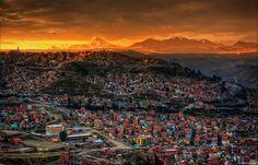 Vista que podemos ter do nascer do sol na cidade de La Paz, na Bolívia. Uma imagem que captura toda a extensão da 3a cidade mais populosa do país localizada a 3.660 mts de altitude. Obs: Embora Sucre continue legalmente a ser a capital do país, La Paz é a sede do governo da Bolívia …