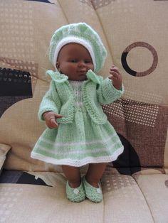Une nouvelle réalisation de Roxie'M Baby Doll Clothes, Doll Clothes Patterns, Clothing Patterns, Baby Dolls, Knitting Patterns Free, Baby Knitting, Free Pattern, Knit Crochet, Crochet Hats