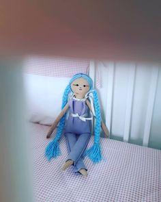 """42 """"Μου αρέσει!"""", 6 σχόλια - chingoleleta💜 (@chingoleleta) στο Instagram: """"💙 Apart from the hugs and the company,she can be a unique decorative element in your baby girl's…"""" Handmade Dolls, Hugs, Unique, Baby, Instagram, Home Decor, Big Hugs, Decoration Home, Room Decor"""