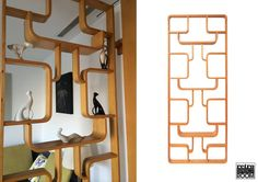 Beautiful fifties room divider or wall rack in oak plywood. Designed by Jindrich Halabala. The model shown here has as height of 225 cm and 90 cm of width. Only one left // Hermoso separador de ambientes o rack de pared de los cincuenta en madera de roble. Diseñado por Jindrich Halabala. El modelo que se muestra aquí tiene de altura 225 cm y 90 cm de ancho. Queda sólo una unidad.  € 680