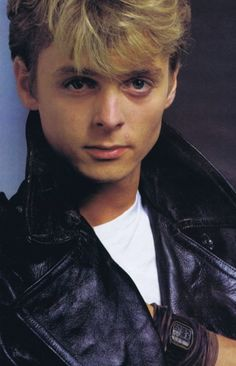 Fanpop Poll Results: which is a better picture of paul waaktaar-savoy - Read the results on this poll and other A-ha polls