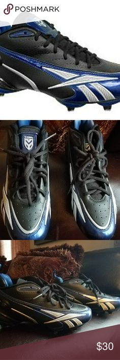 Reebok Youth Electrify Football Cleats Used, youth football cleats. In great condition.  Bundle and Save. Reebok Shoes
