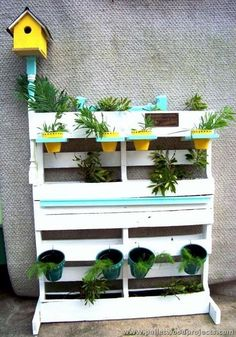 Outdoor Ideas with Wooden Pallets #Palette Free # Pallet Patio  #ideas #outdoor #palette #PalettenmöbelimFreien #pallet #pallets #patio #wooden Pallet Garden Box, Wood Pallet Planters, Wooden Pallet Furniture, Pallet Patio, Garden Boxes, Wooden Pallets, Diy Pallet, Pallet Projects, Pallet Wood