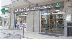 Farmacia Dell'Ausiliatrice - AGELL Arredamento Farmacie e Ottici Divider, Room, Furniture, Home Decor, Pharmacy, Bedroom, Decoration Home, Room Decor, Rooms