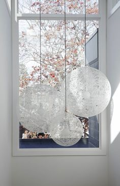 *Architecture, modern interiors, white, Random Suspension lamp from Moooi* - 360 Winnett House by Altius Architecture
