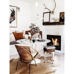 Marble fireplace for elegant room, yay or nay? #rumahkulivingroom