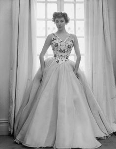 What an intriguing, creative neckline. #vintage #gown #dress #1950s #fashion